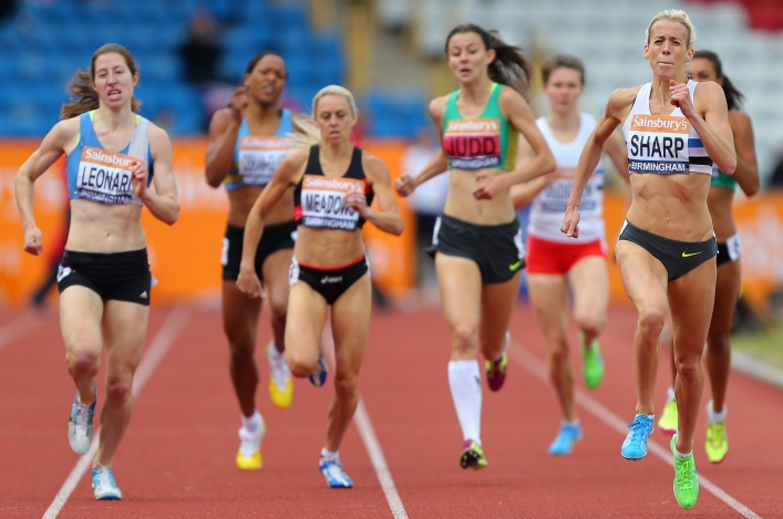 Lynsey Sharp takes the 800m British title for 2014 at Birmingham
