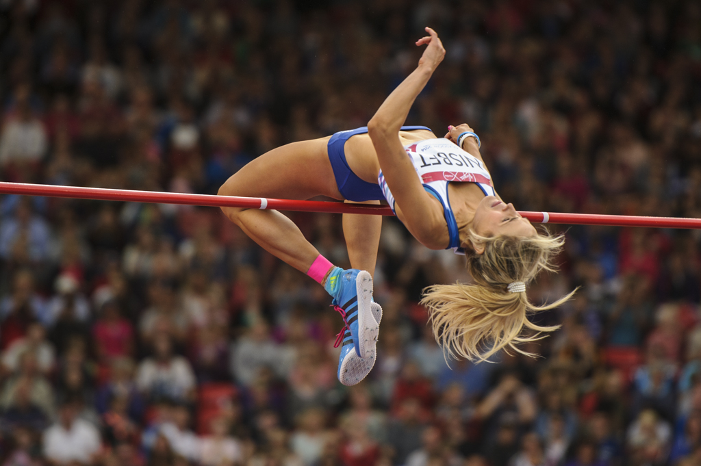Jayne Nisbet clears 1.85m in Commonwealth Games at Hampden