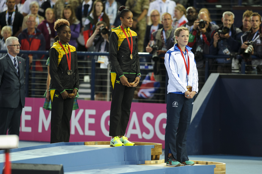 Eilidh Child collects silver medal at Hampden in Glasgow 2014